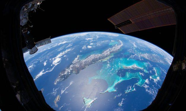 НАСА ГИ ОБЈАВИ НАЈДОБРИТЕ ФОТОГРАФИИ НА ЗЕМЈАТА СНИМЕНИ ОД ВСЕЛЕНАТА ВО 2020