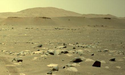 ХЕЛИКОПТЕРОТ НА НАСА ГО ИМАШЕ ПРВИОТ ПОДОЛГ ЛЕТ НА МАРС, ВО ВОЗДУХ СЕ ЗАДРЖА 80 СЕКУНДИ